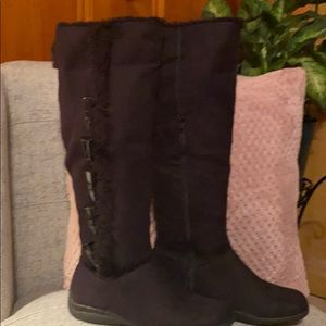 "Black faux fur lined Boots ""New"" NWOT!!"